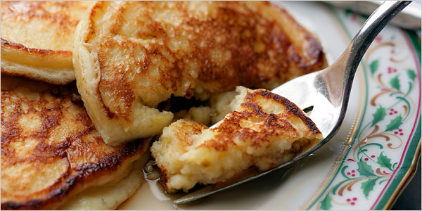 Fluffy healthy cottage cheese pancakes the chic brle fluffy healthy cottage cheese pancakes sisterspd
