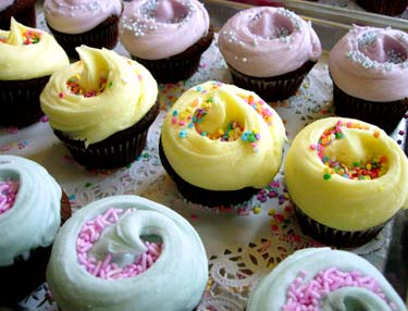 Post image for Cupcakes For Your Valentine… And a Recipe From One of the Most Famous Cupcake Bakeries in the World