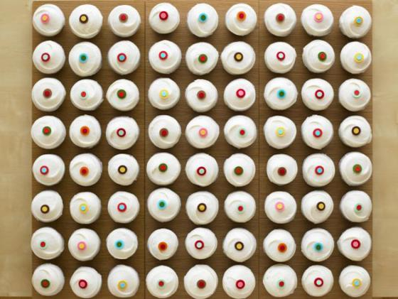 NYC: Beverly Hills-Based Sprinkles Cupcakes Opens Their First NYC Cupcake Bakery Today