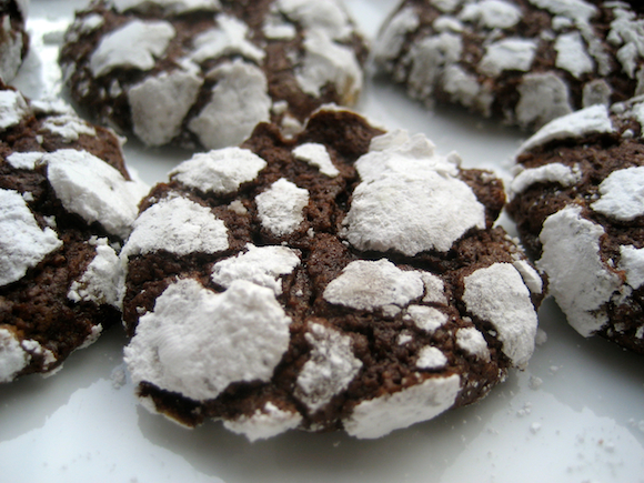 Post image for Chocolate Crackle Cookies