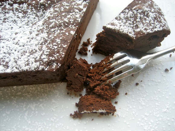 Decadent Flourless Chocolate Cake